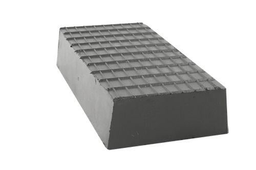Gummi Trapezblock, Pyramidenklotz, universell für Zippo Hebebühnen 200 x 100 x 40 mm